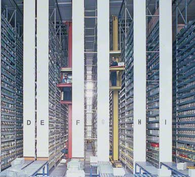 Kompletace na vysoké úrovni ve skladu společnosti, která vyrábí elektronické komponenty