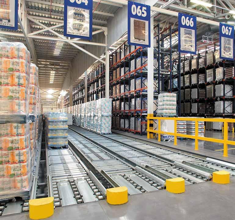 Sklad určený pro distribuční centrum potravinářského průmyslu.