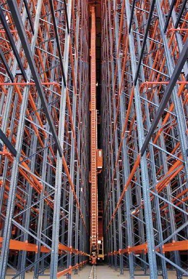 Kyvadlově pracující zařízení ve skladu