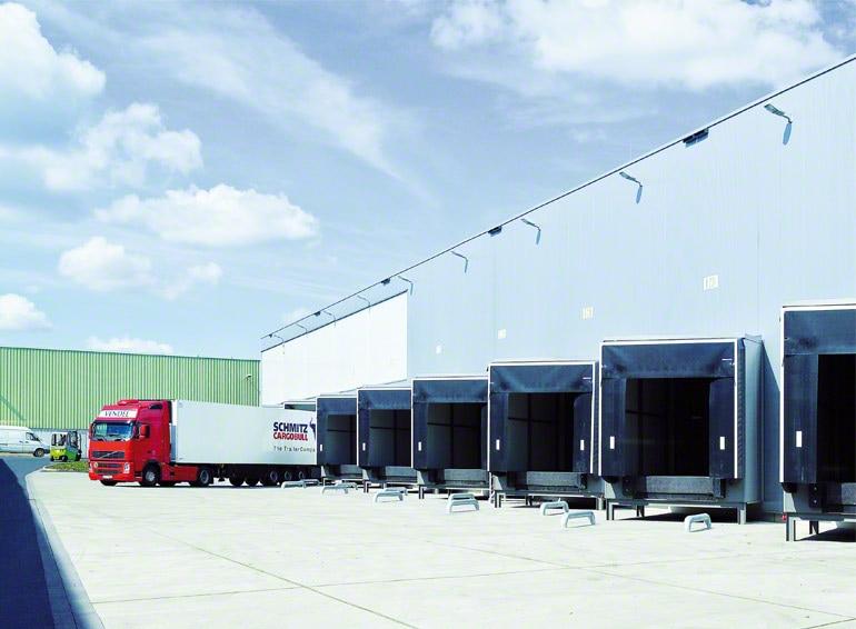 Překládkové rampy s pilovitým uspořádáním